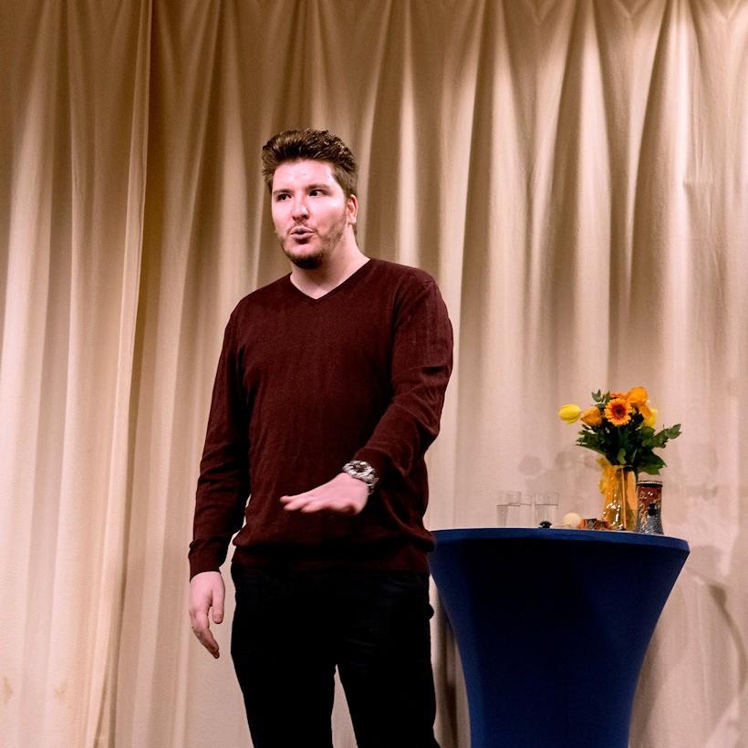 Björns Geschichte handelte von zwei Jugendlichen, die beim Klimakongress dabei sein durften.