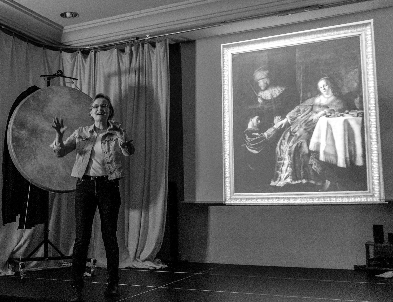 Im Herzog-Anton-Ulrich Museum sponnen die SchülerInnen rund um zwei Gemälde - hier die Dame mit den Zuckerkringeln, nacherzählt von Dorothea.