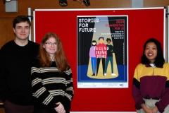 Lukas und Maren, die das Logo der JEB gestaltet haben, und Elisa, die mit Hannah-May (nicht im Bild) das Plakat entworfen hat (alle FOG18B)